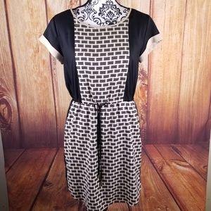 Vince Camuto Black & Tan Short Sleeve Dress B92